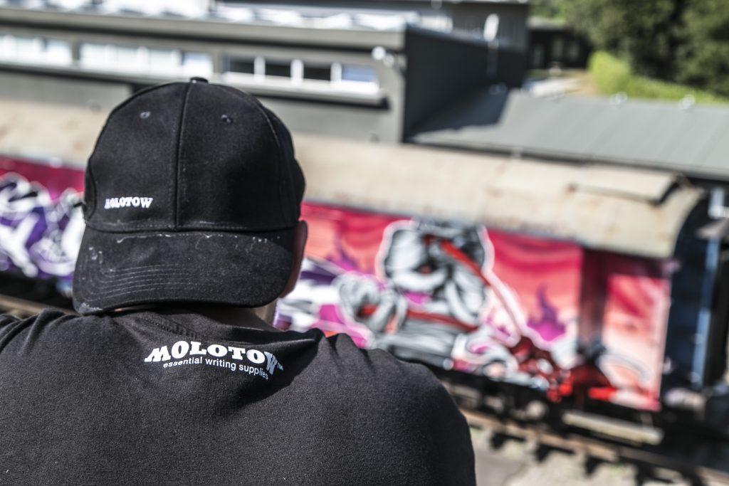 orus-molotow-train-7