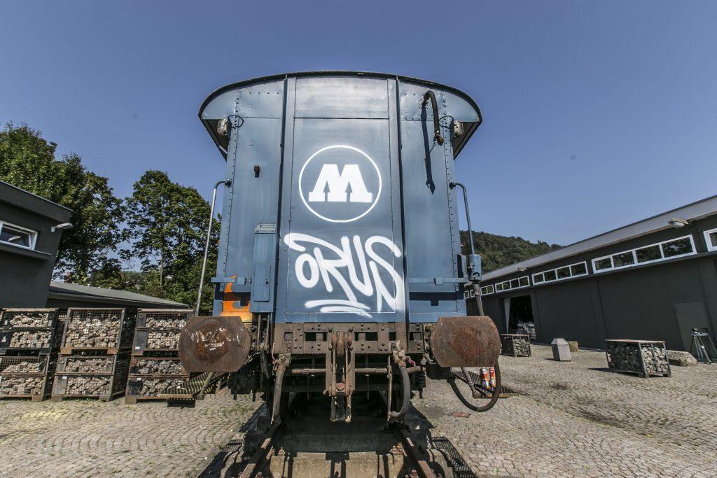 orus-molotow-train-3