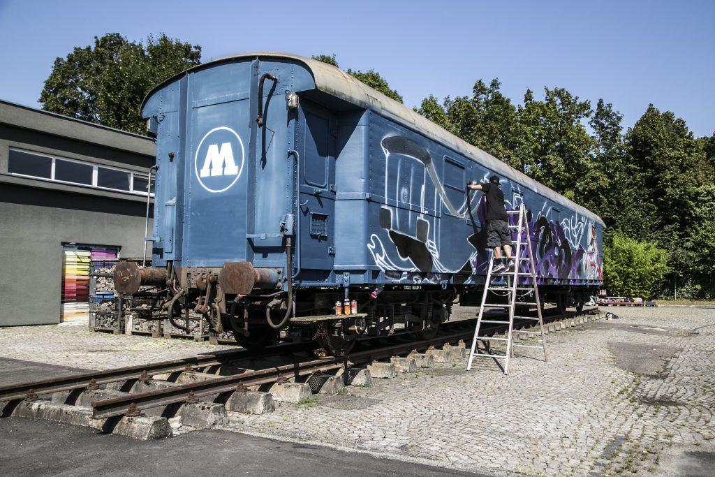 orus pintando el tren de molotow alemania