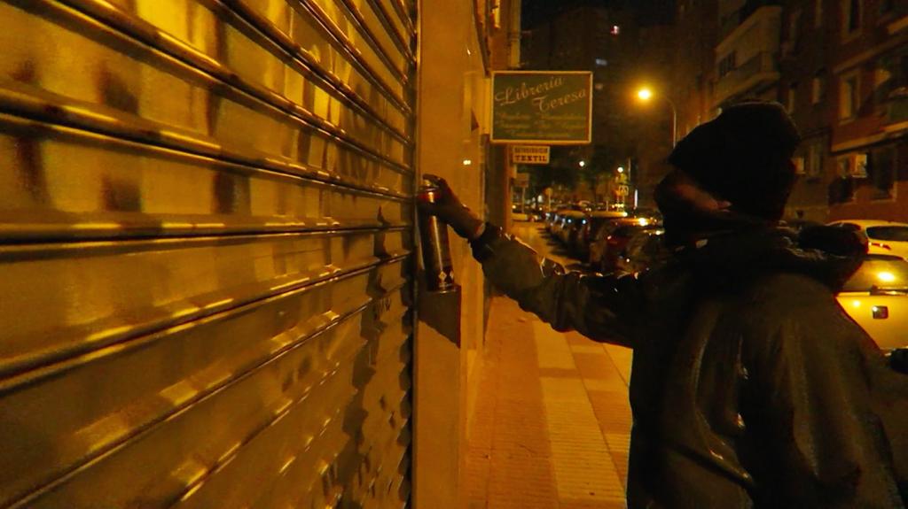 Writers Madrid graffiti Silver nights V Municion