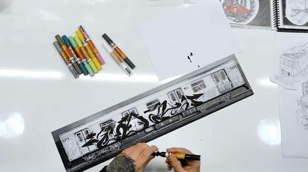 pintar con rotuladores acrilicos kaze tren